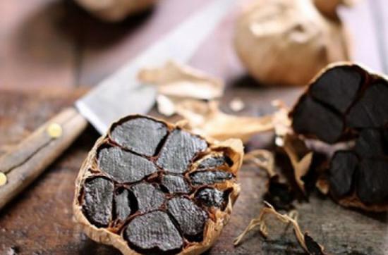 Чудодейственные свойства черного чеснока